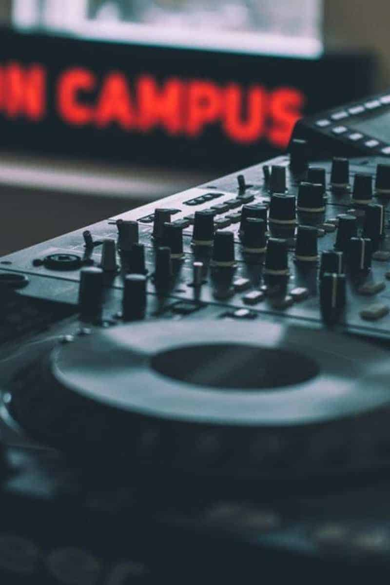5 Vital Tips for Beginners to Sell Beats Online | Beats